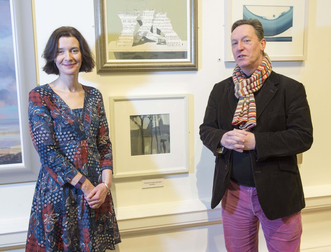 michael-clark-rsw-with-suzanne-hay-ruthven-gallery-and-his-award-winning-painting